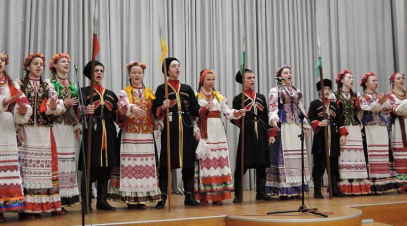 http://vestnikkladez.ru - выступление детского кубанского казачего хора