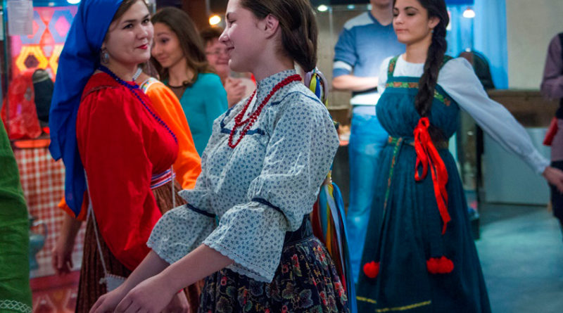 http://vestnikkladez.ru - молодёжный фольклорный ансамбль