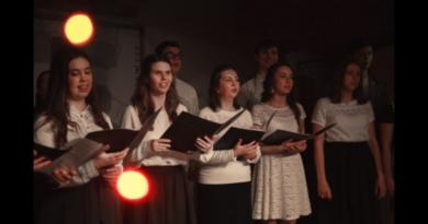 http://vestnikkladez.ru - концерт православного молодежного хора