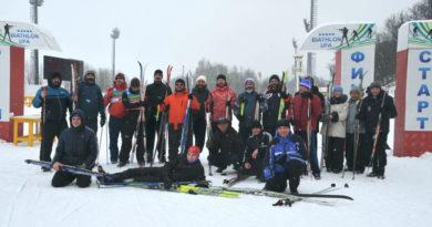 http://vestnikkladez.ru - лыжные старты