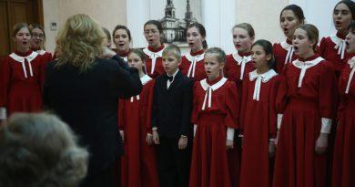 Vestnikkladez.ru - новый музыкальный диск архиерейской детской певческой капеллы «Октоих»