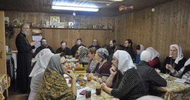 http://vestnikkladez.ru - база многодетных семей