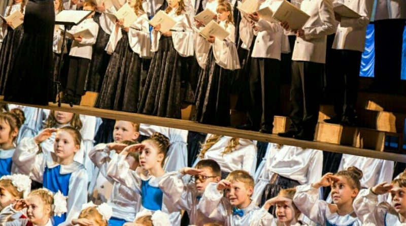 http://vestnikkladez.ru - детско-юношеский духовный хор «София»